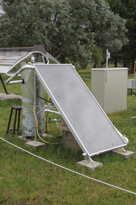 Colector solar plano